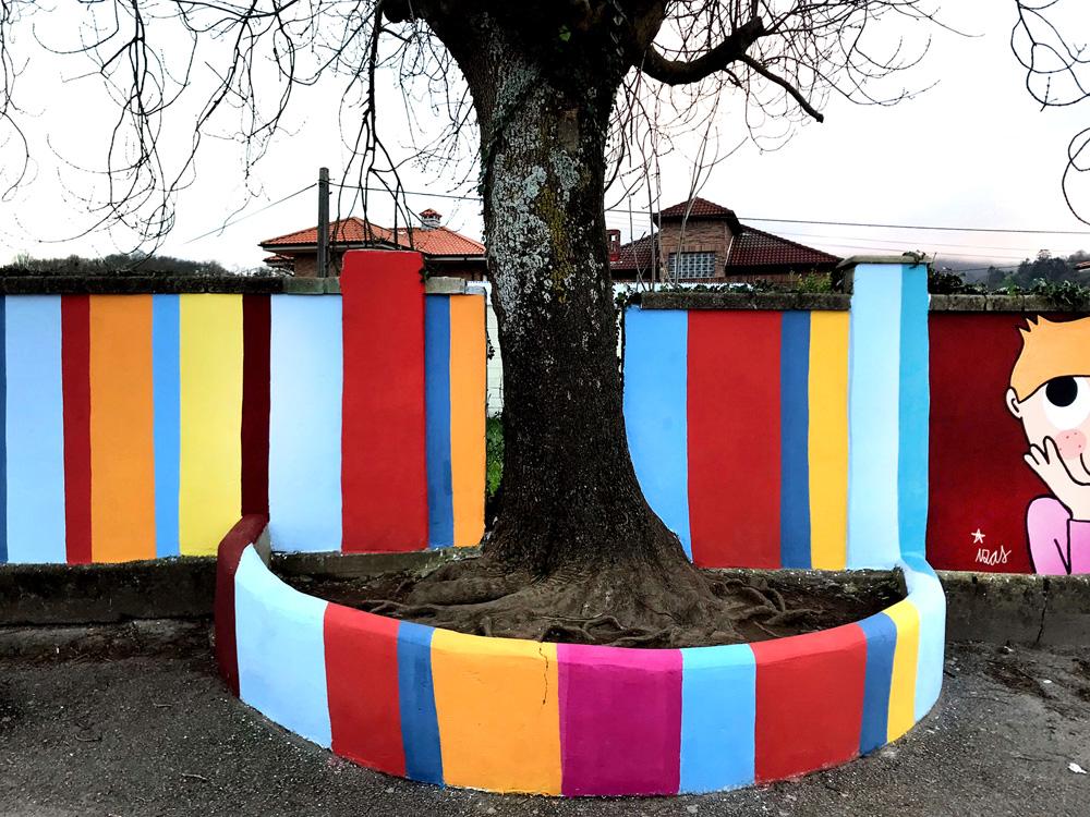 mural izas azulpatio ceip gerardo diego árbol 2