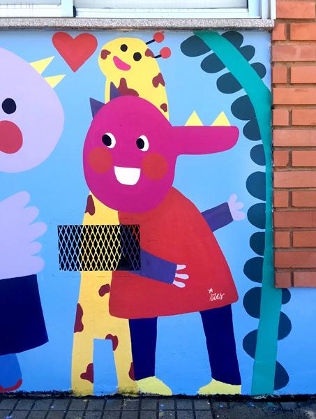 mural izas azulpatio dibujando la palabra ceip órbigo detalle 10