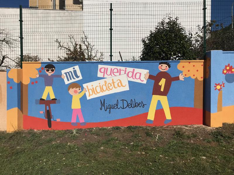mural izas azulpatio dibujando la palabra cistierna parte 1