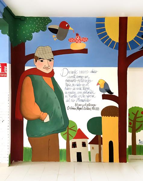 mural izas azulpatio dibujando la palabra fromista detalle 4