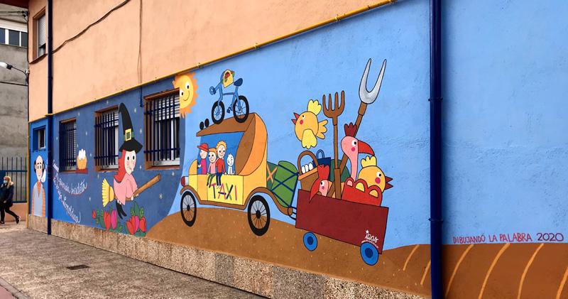 mural izas azulpatio dibujando la palabra madrigal derecha 1