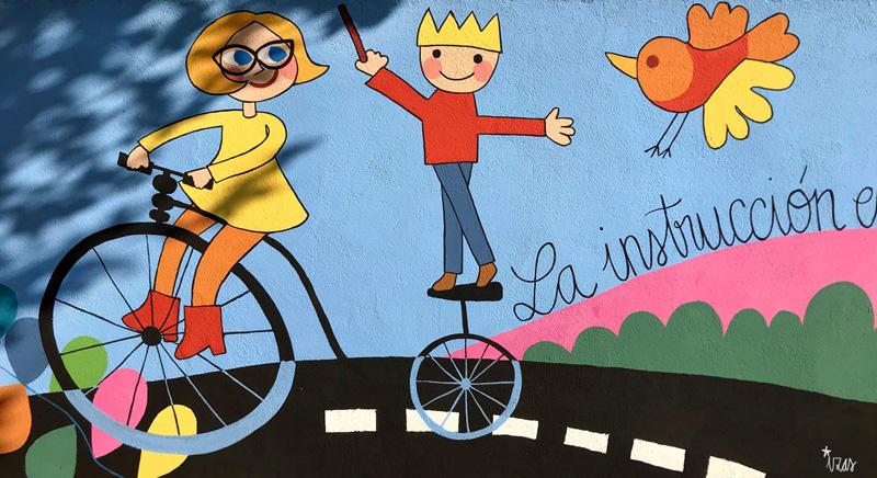 mural izas azulpatio dibujando la palabra moraleja detalle 10