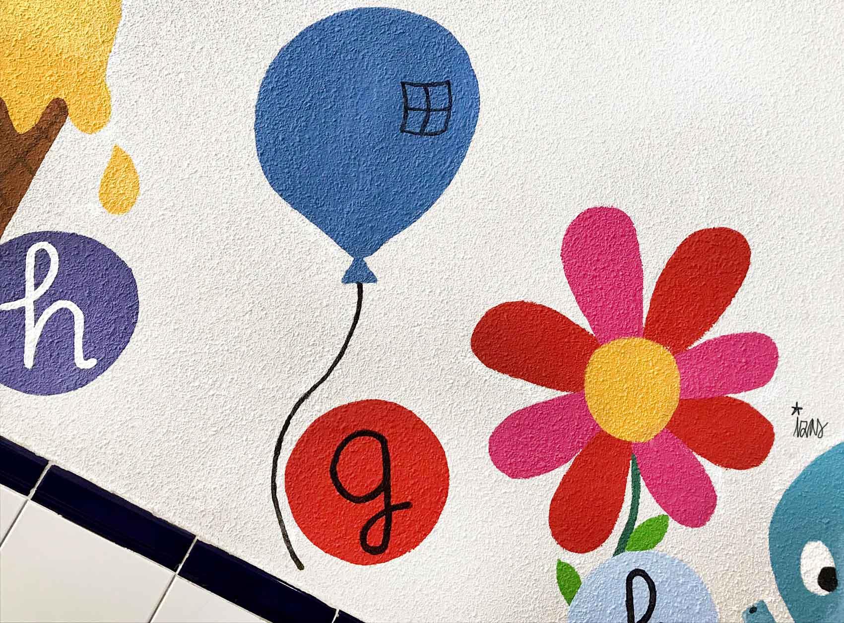 mural izas azulpatio soledad sainz escalera 10