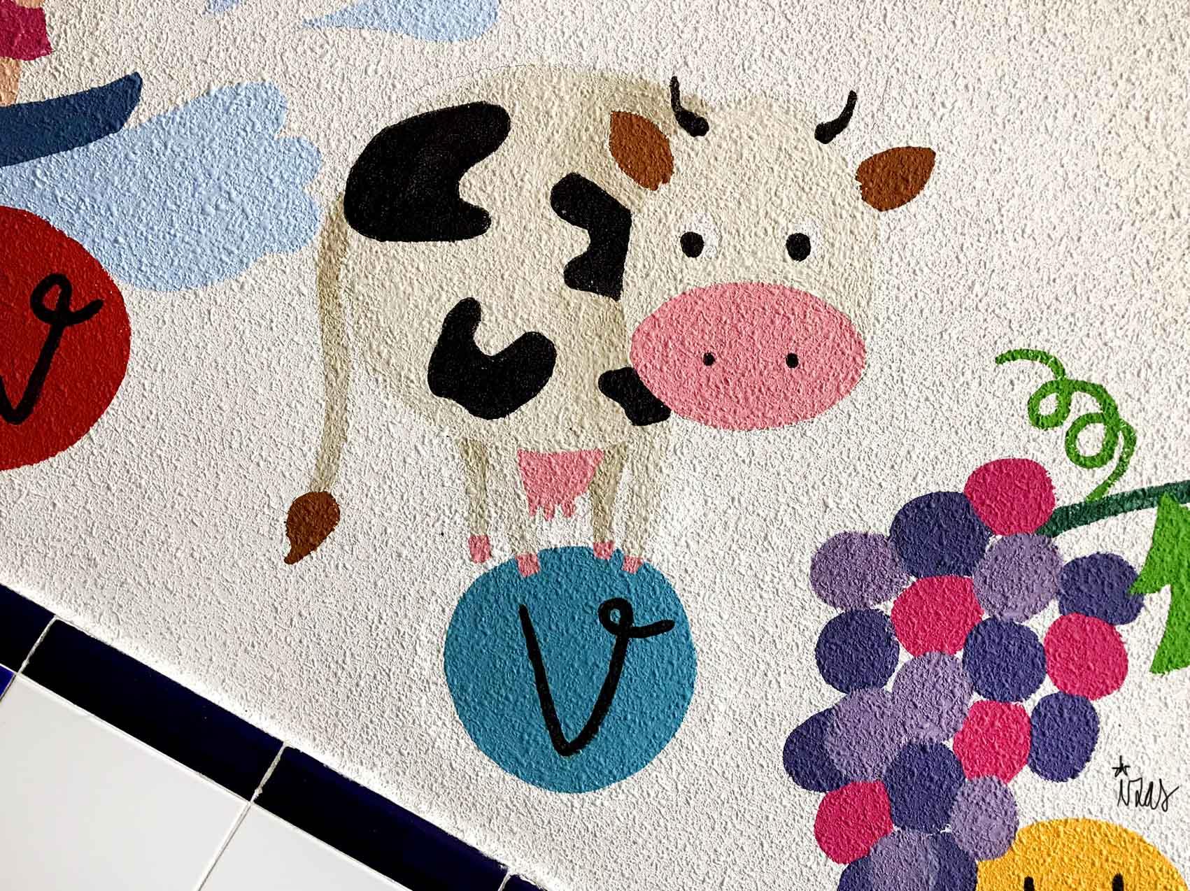 mural izas azulpatio soledad sainz escalera 2