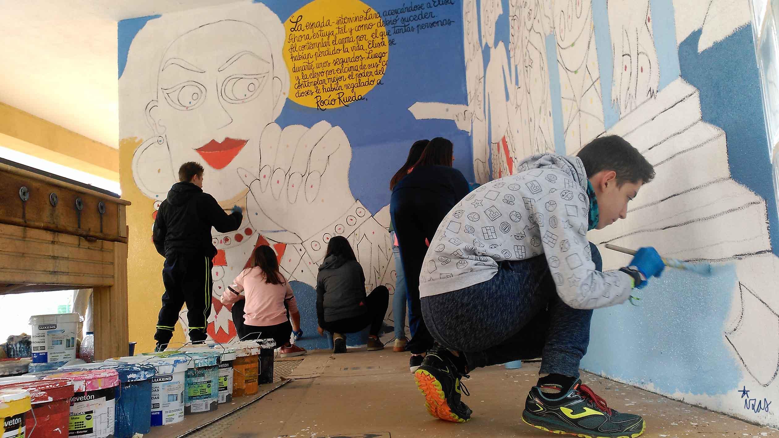 mural izas dibujando la palabra palencia 4
