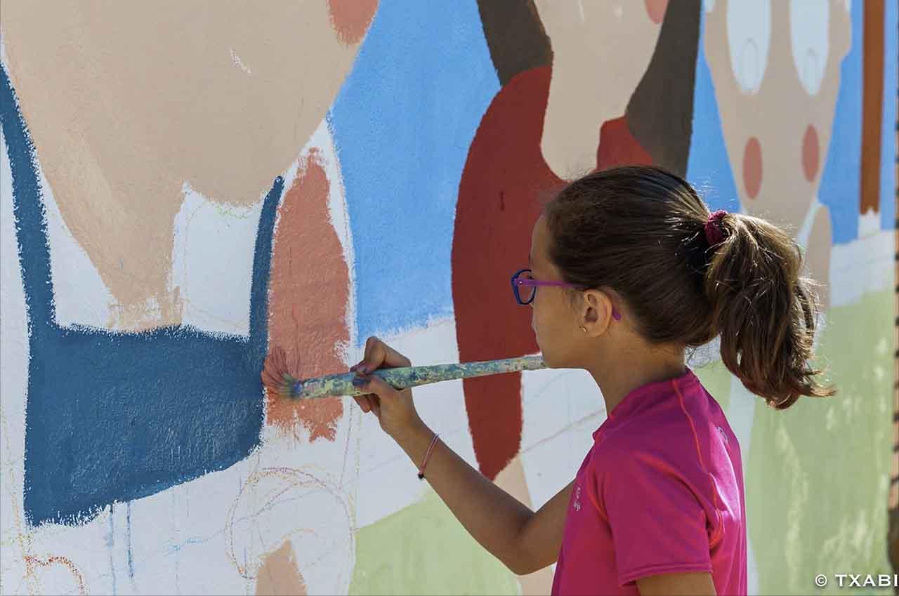 mural izas la ballena 6