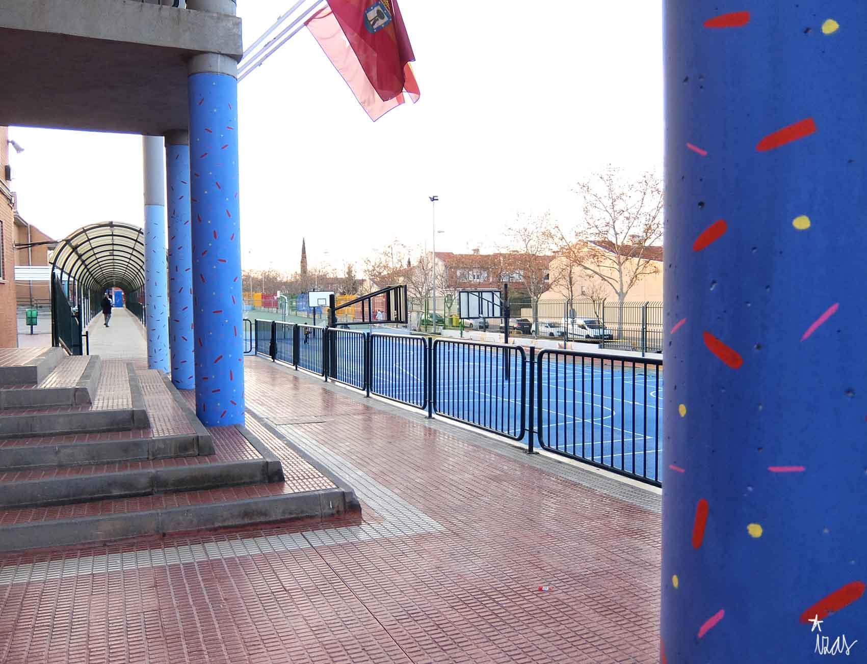 mural izas rosa luxemburgo columnas 1