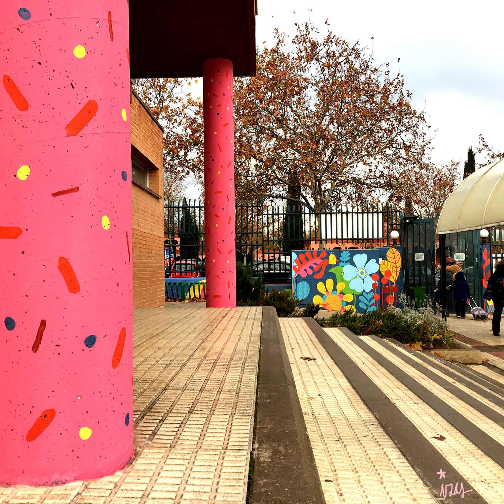 mural izas rosa luxemburgo columnas 3