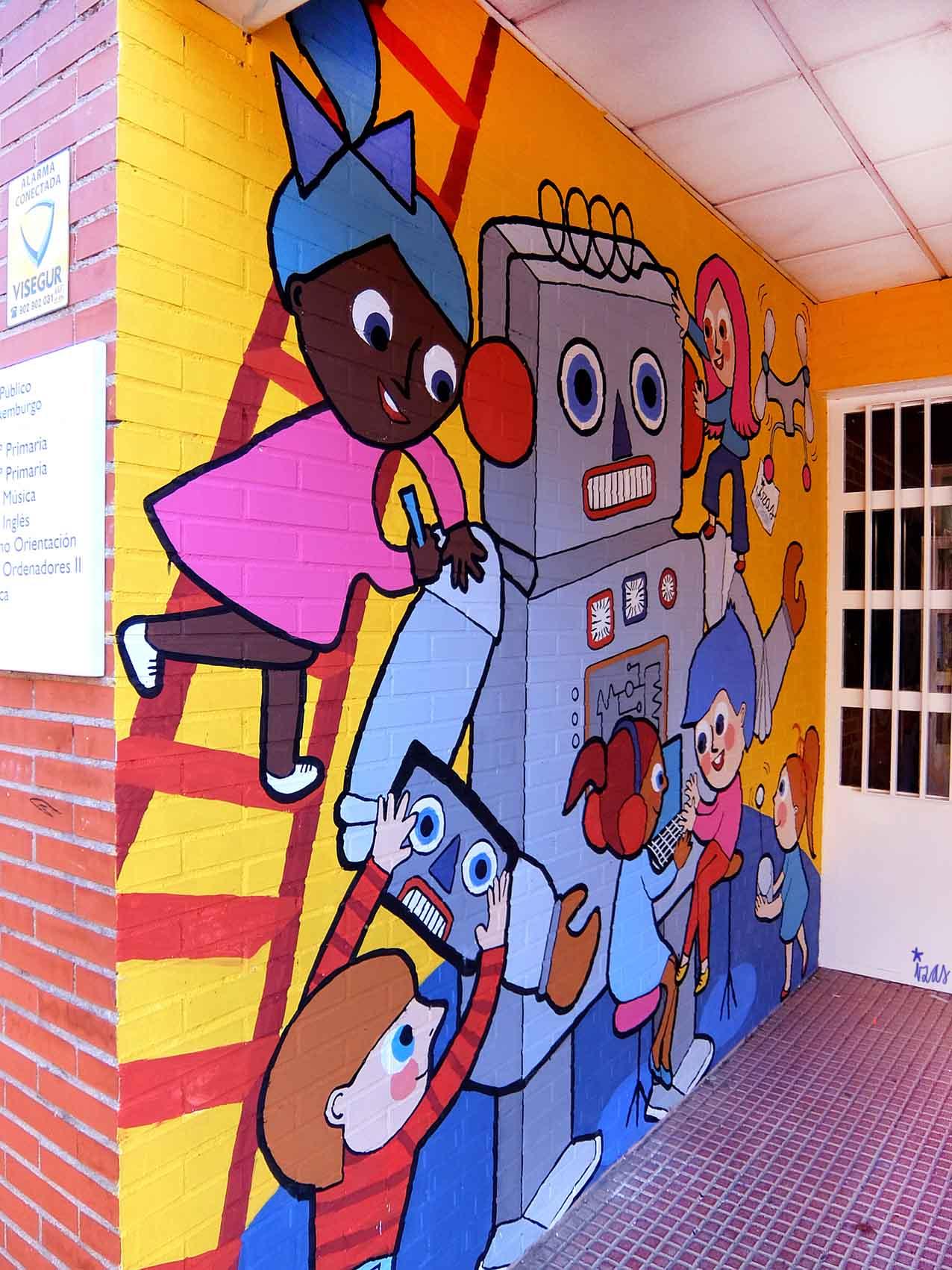 mural izas rosa luxemburgo robótica y biblioteca 10