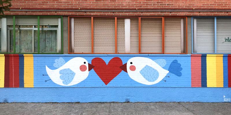 mural izas azulpatio ceip federico garcía lorca alcorcón pájaros 1