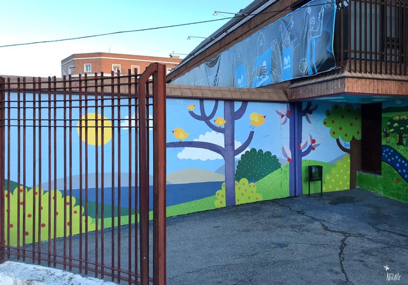 mural izas azulpatio ceip ramiro de maeztu 5
