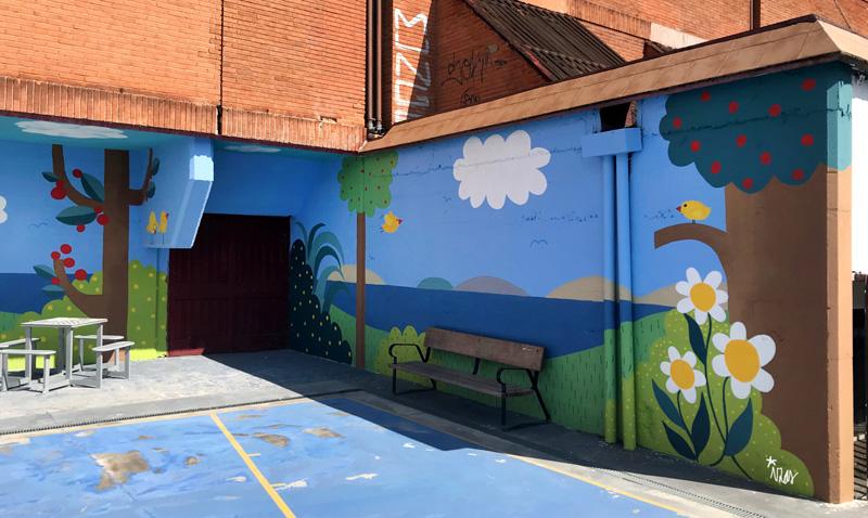 mural izas azulpatio ceip ramiro de maeztu pano 1