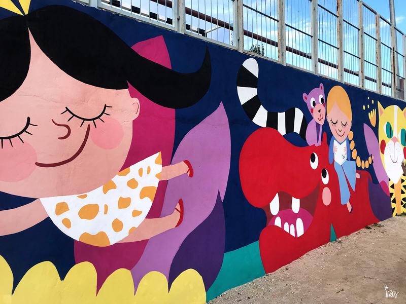 mural izas azulpatio lorca alcorcón detalle hipopótamo 1