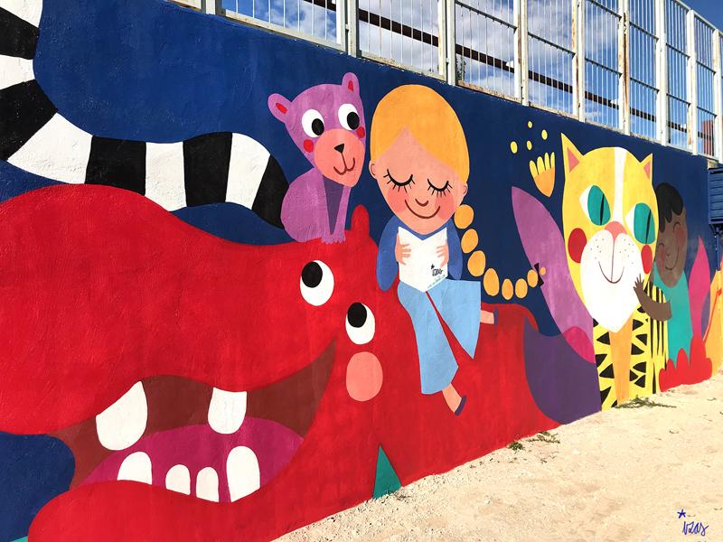 mural izas azulpatio lorca alcorcón detalle hipopótamo 2