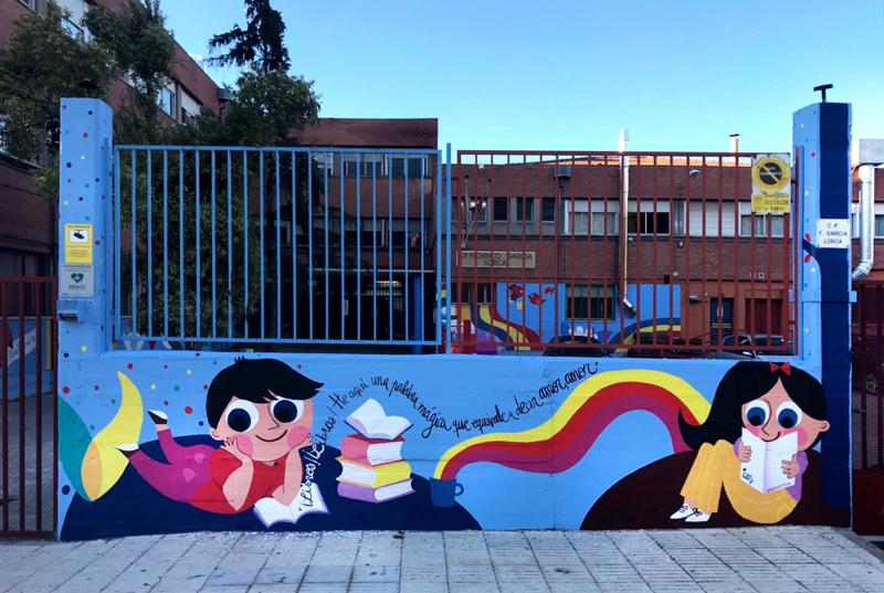 mural izas azulpatio lorca alcorcón entrada frente