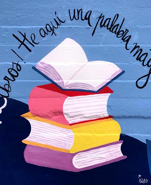 mural izas azulpatio lorca alcorcón entrada libros