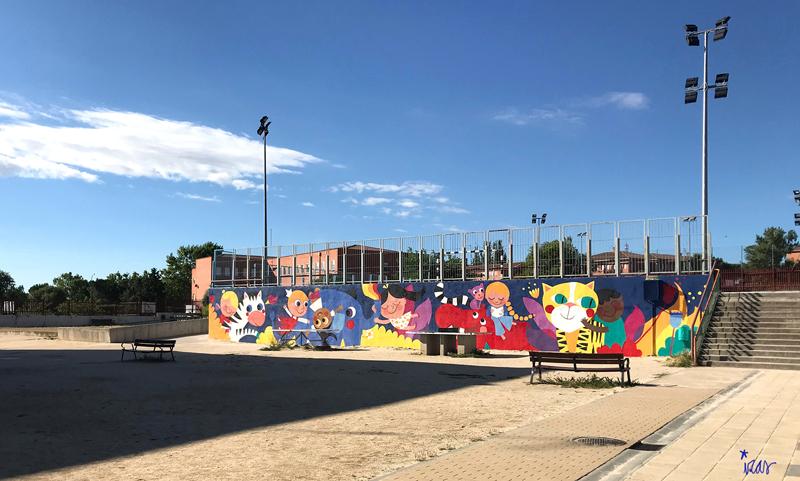 mural izas azulpatio lorca alcorcón pano dcha 1