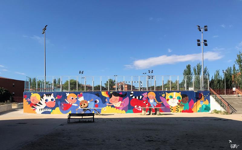 mural izas azulpatio lorca alcorcón pano frente