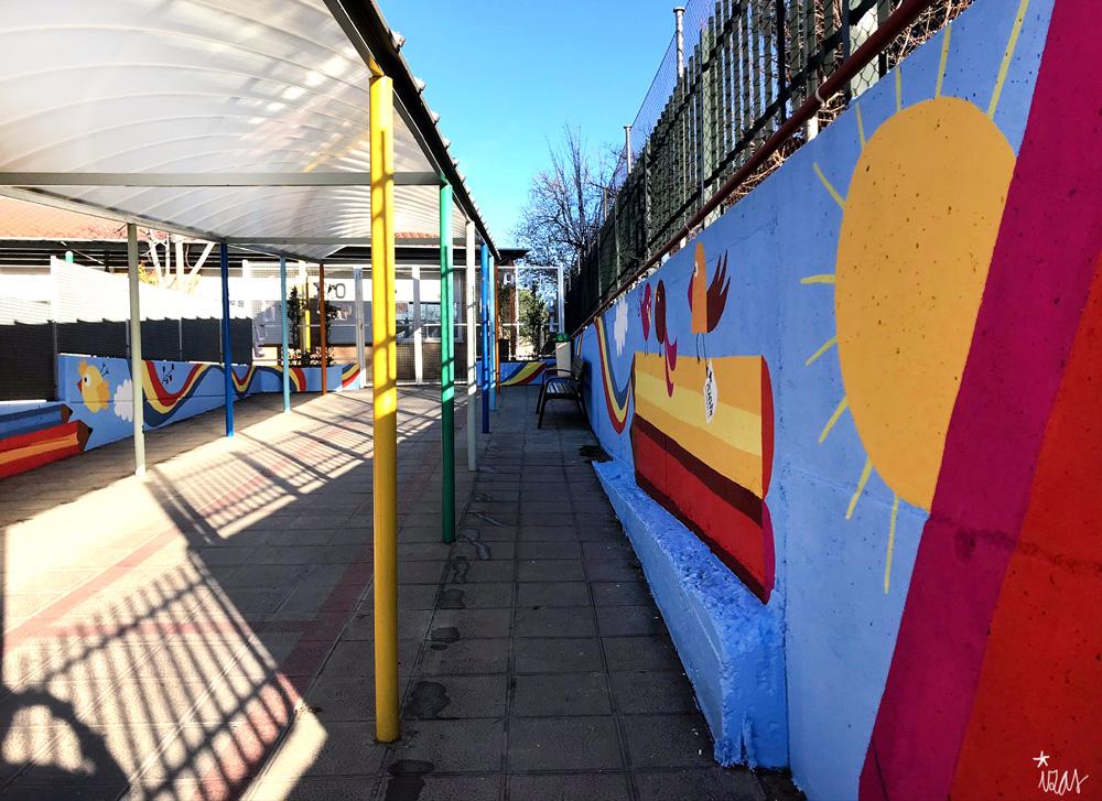 mural izas azulpatio miguel delibes entrada infantil pano 1