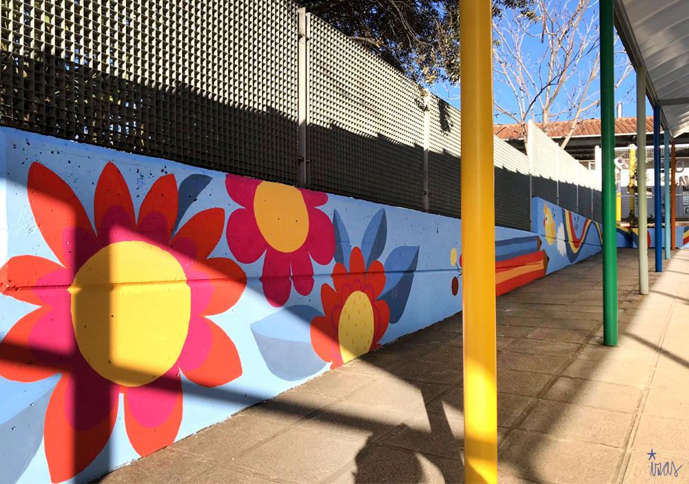 mural izas azulpatio miguel delibes entrada infantil pano 2