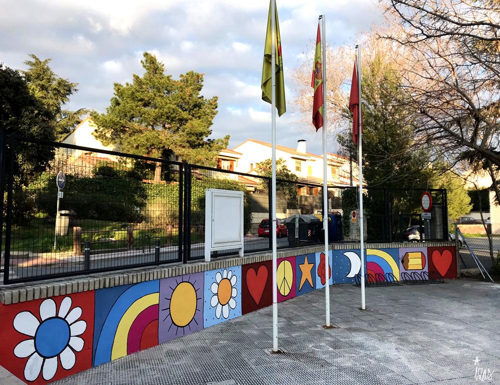 mural izas azulpatio miguel delibes entrada primaria pano 3