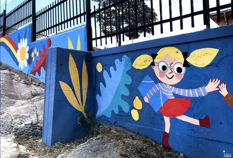 mural izas azulpatio miguel delibes primaria detalle 25