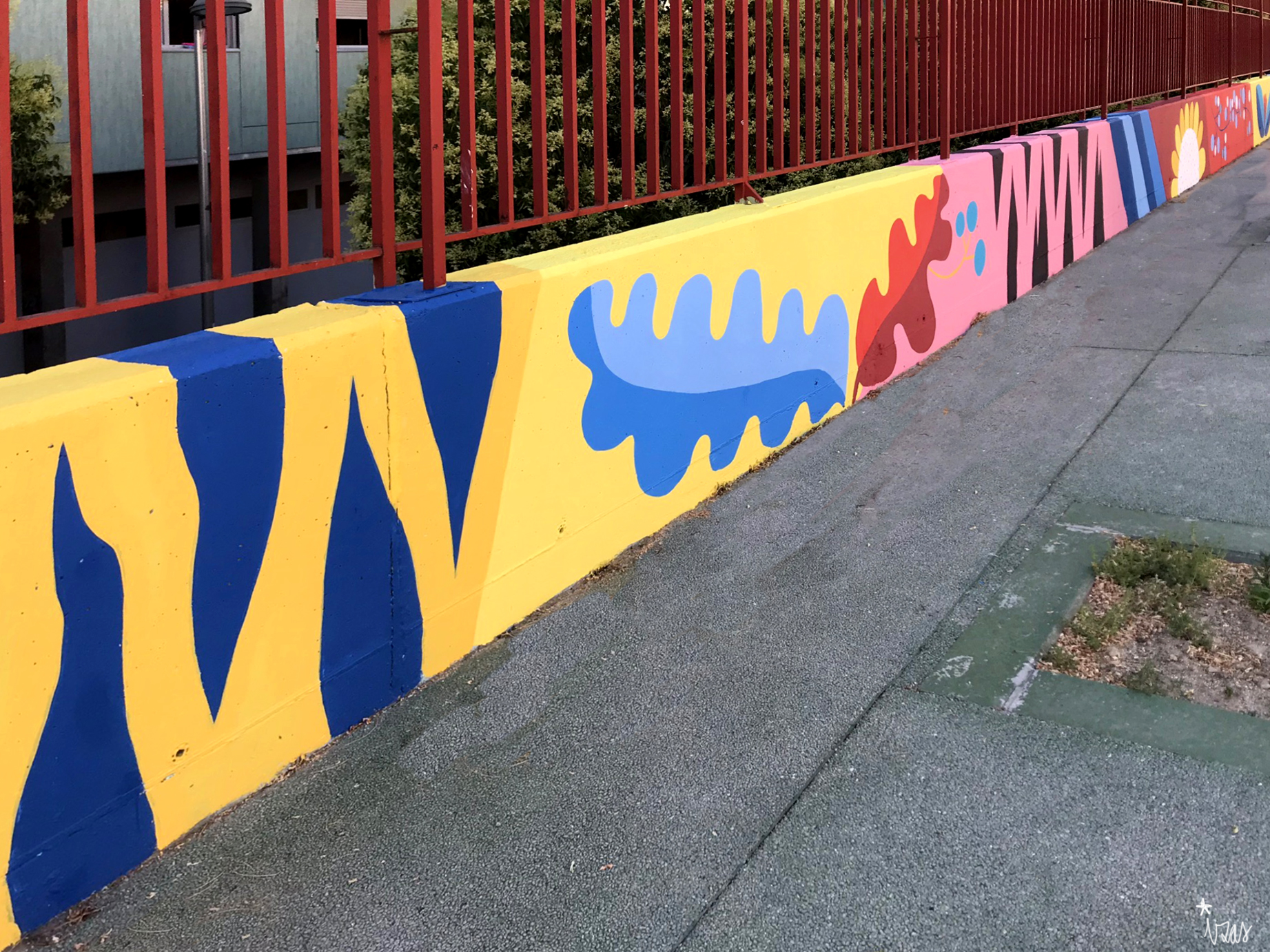 mural izas azulpatio ceip eduardo rojo patio detalle 11