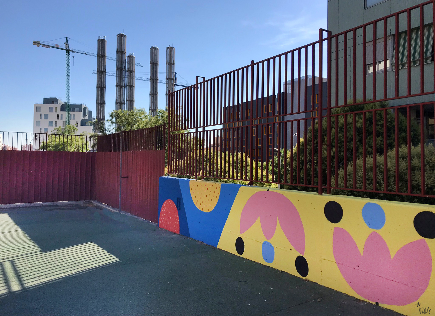 mural izas azulpatio ceip eduardo rojo patio detalle 8