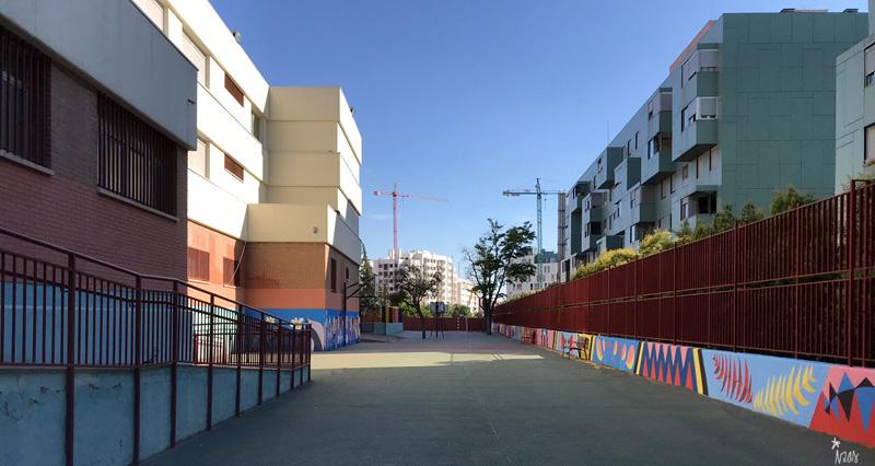 mural izas azulpatio ceip eduardo rojo patio pano 1