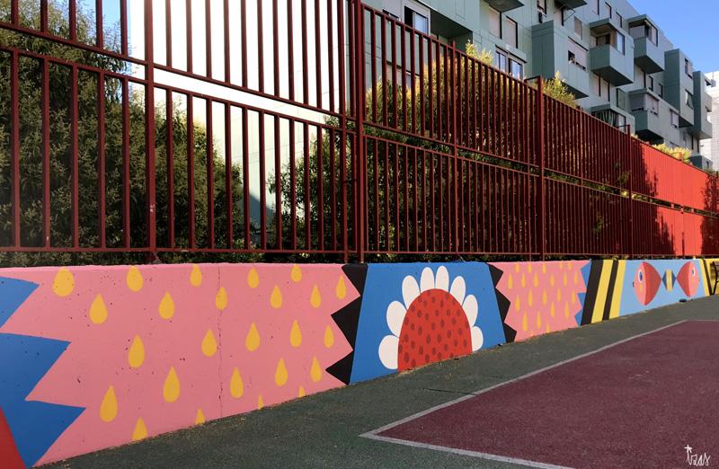 mural izas azulpatio ceip eduardo rojo patio pano 4