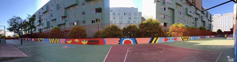 mural izas azulpatio ceip eduardo rojo patio panorámica