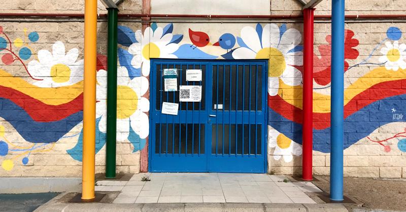 mural izas azulpatio ceip santo domingo entrada inf 1