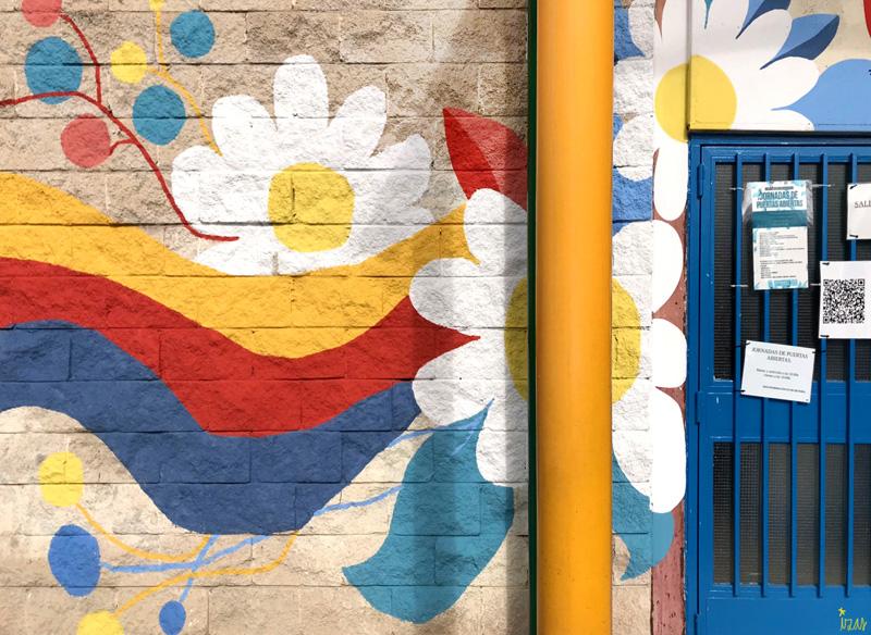 mural izas azulpatio ceip santo domingo entrada inf izquierda