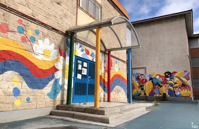 mural izas azulpatio ceip santo domingo entrada inf pano 4