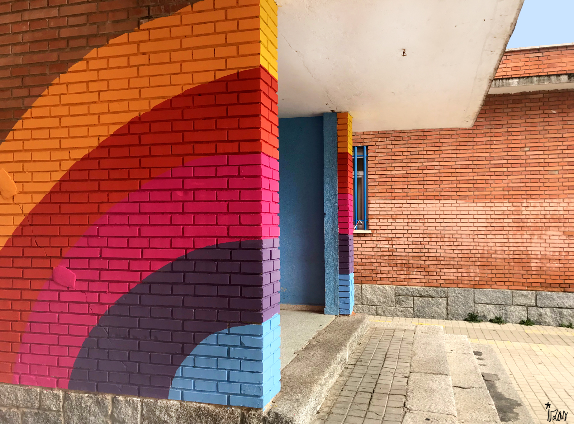 mural izas azulpatio ceip santo domingo entradas izquierda 2