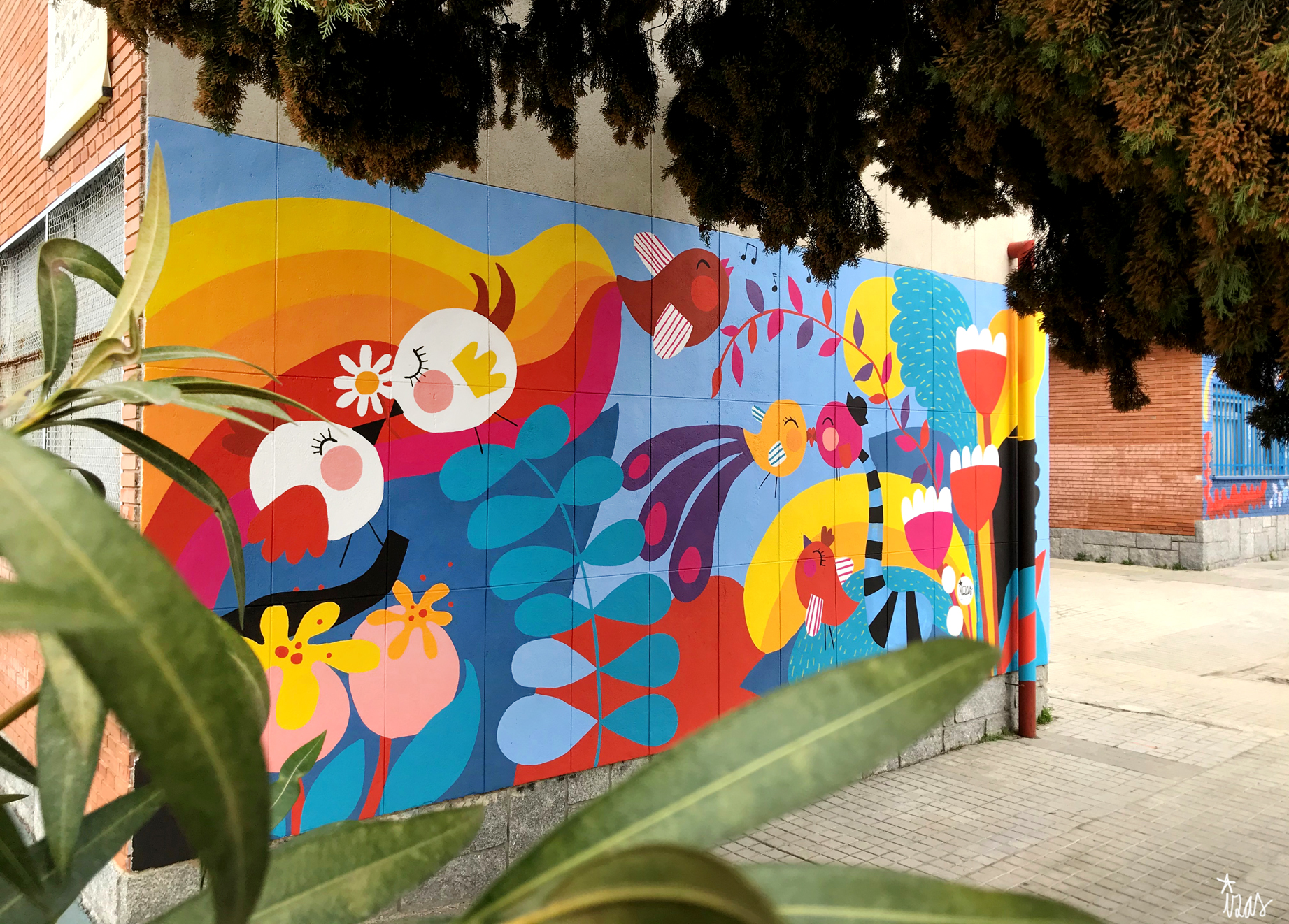 mural izas azulpatio ceip santo domingo flores izquierda