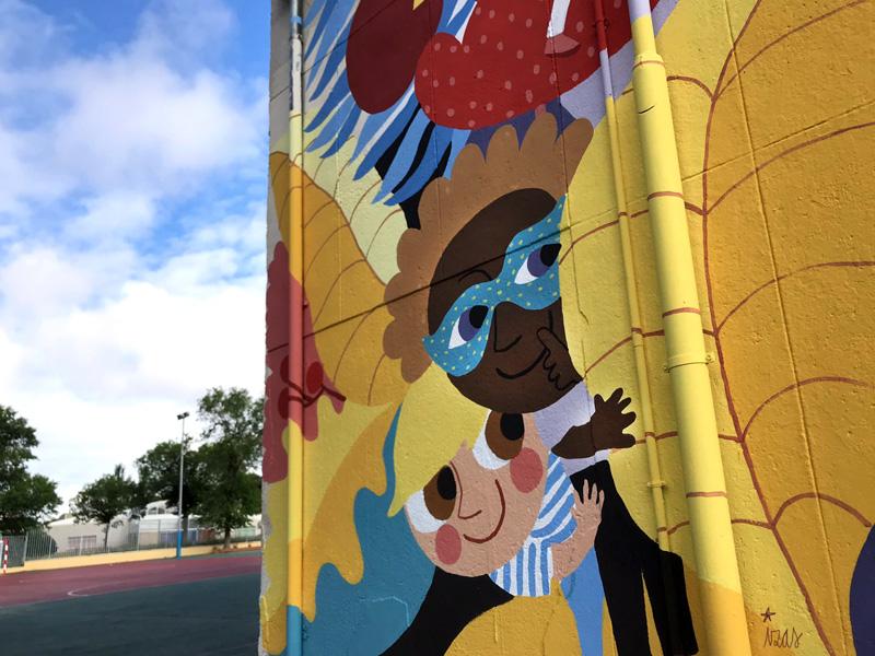 mural izas azulpatio ceip santo domingo patio perspectiva 2