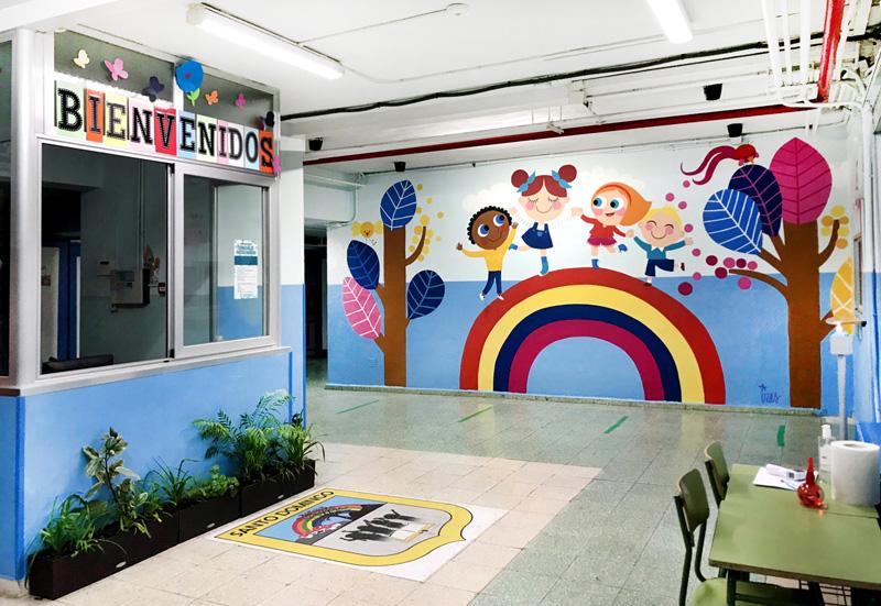 mural izas azulpatio entrada ceip santo domingo pano pasillo 1