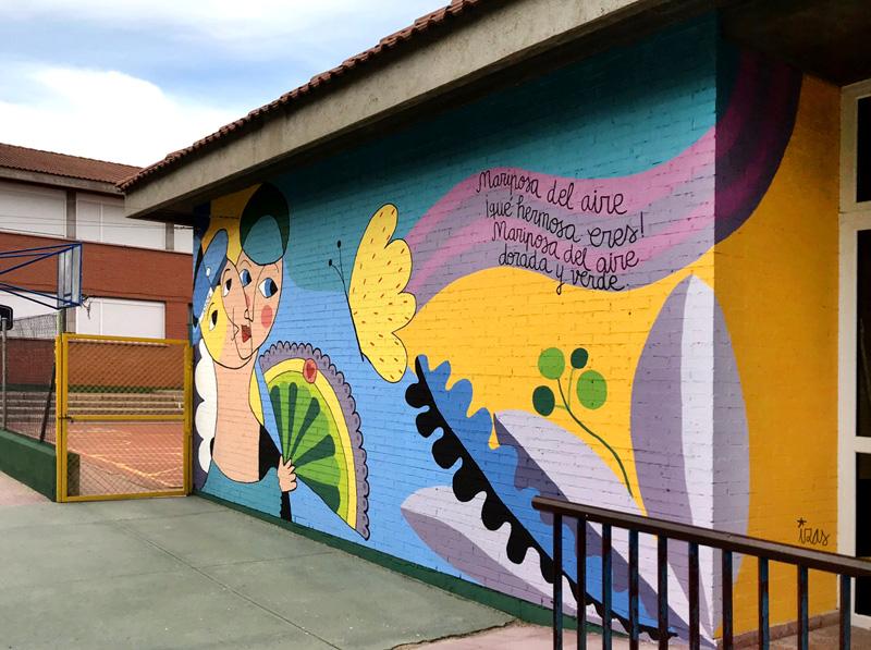 mural izas azulpatio lorca colmenar frente desde dcha detalle