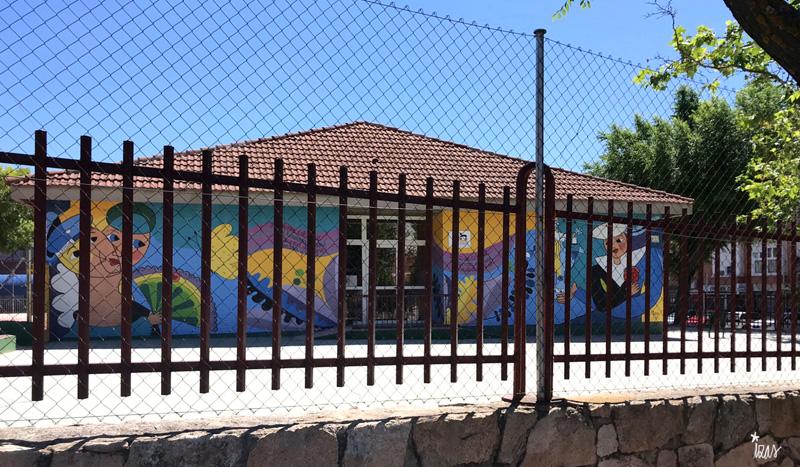 mural izas azulpatio lorca colmenar verja 1