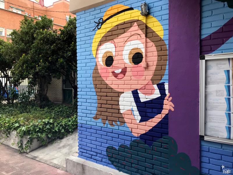 mural izas azulpatio ceip asunción agustina díez entrada detalle 10