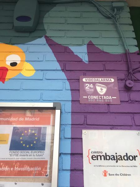 mural izas azulpatio ceip asunción agustina díez entrada detalle 2