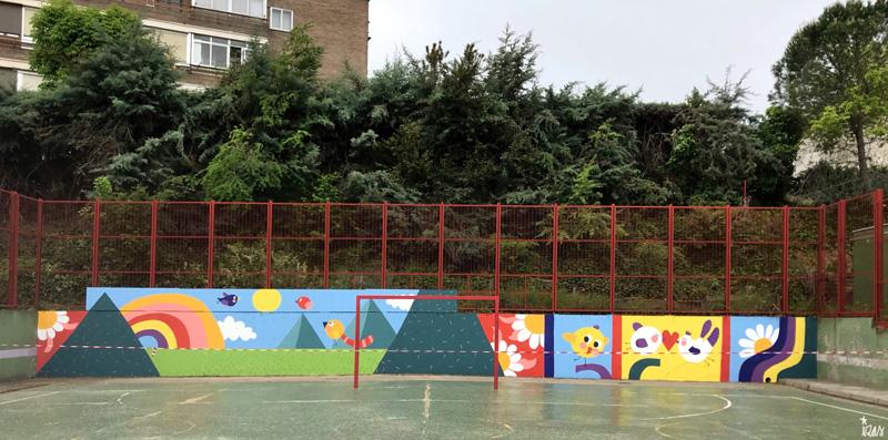 mural izas azulpatio ceip asunción de nuestra señora frente