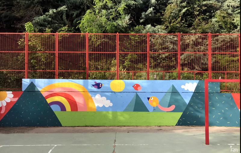 mural izas azulpatio ceip asunción de nuestra señora rocódromo