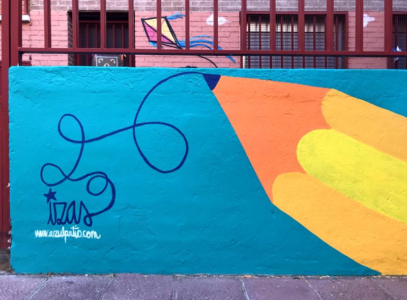 mural izas azulpatio ceip eduardo rojo exterior detalle 2