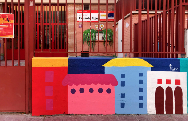 mural izas azulpatio ceip eduardo rojo exterior detalle 6