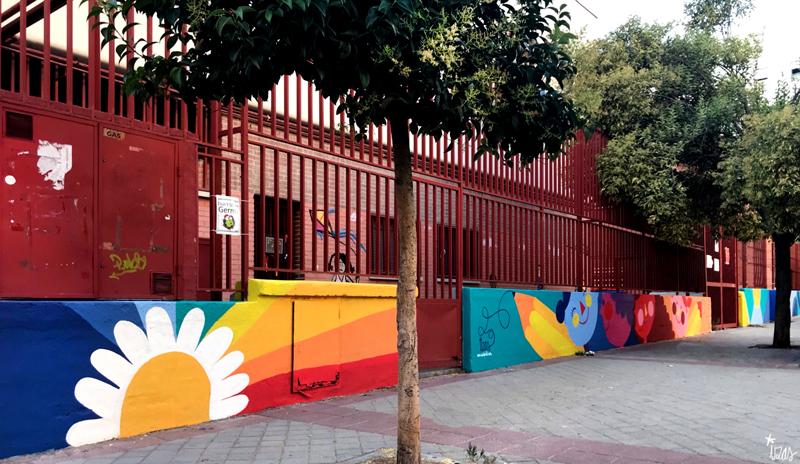mural izas azulpatio ceip eduardo rojo exterior pano 12