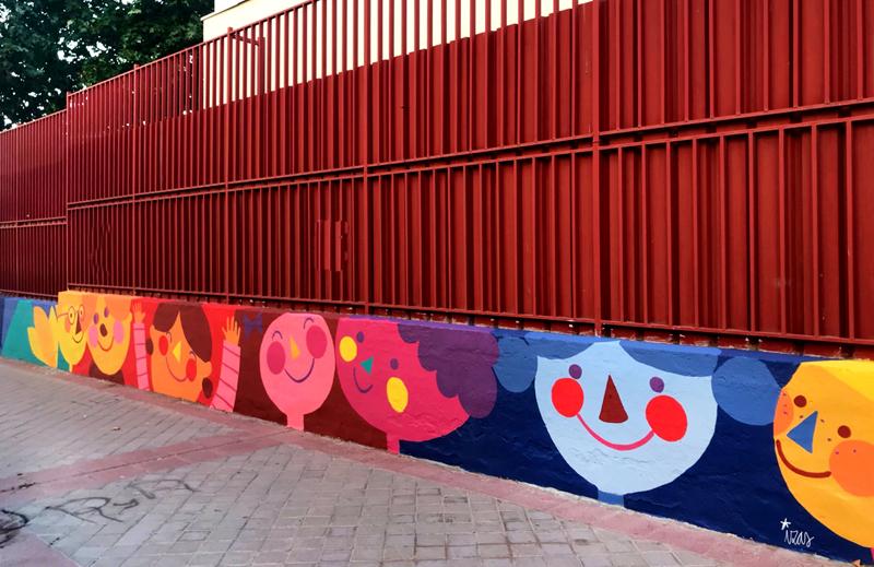 mural izas azulpatio ceip eduardo rojo exterior pano 2