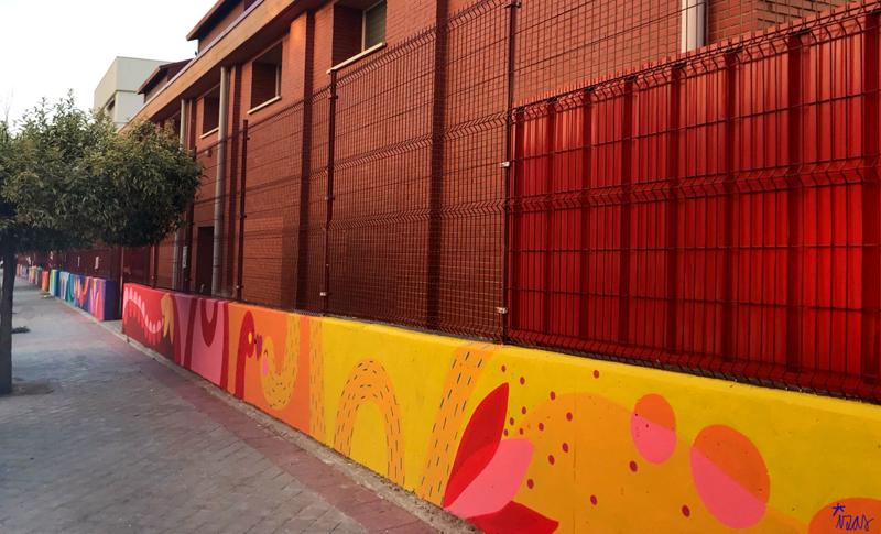 mural izas azulpatio ceip eduardo rojo exterior pano 6