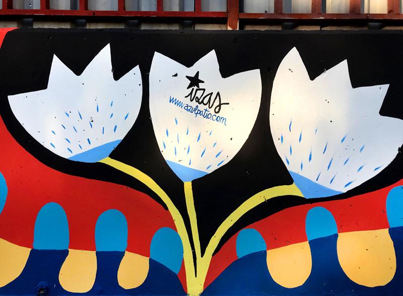 mural izas azulpatio ceip eduardo rojo fachada detalle 12